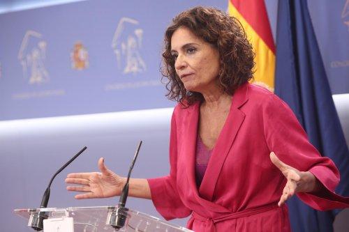 España España El Gobierno decide ahora suspender la regla de gasto para 2020 en un nuevo decreto pero no abordará los remanentes
