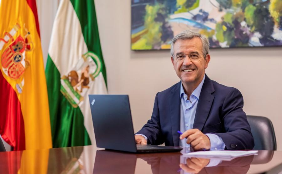 Ayuntamientos Ayuntamientos El alcalde destaca el impulso a la recuperación económica y social de Estepona en 2020, movilizando el mayor volumen de inversión publica de la historia de la ciuda