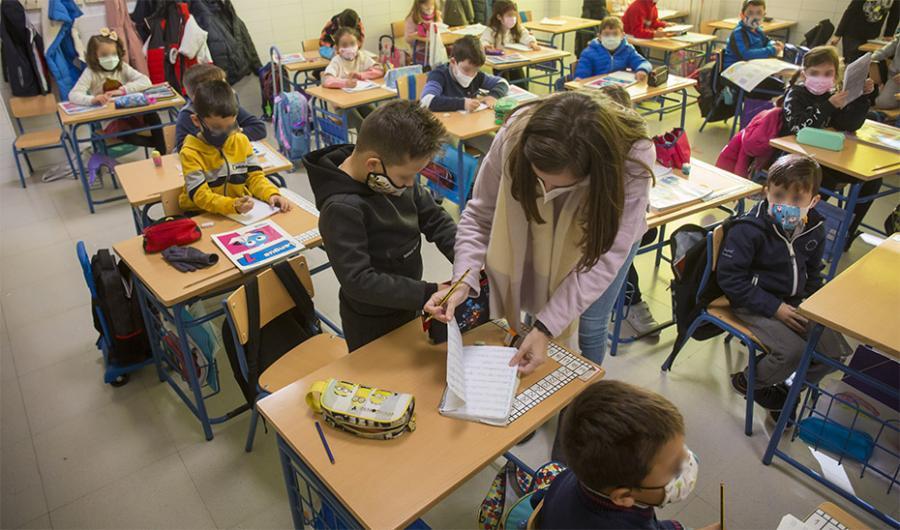 Andalucía Andalucía La lucha contra el abandono escolar en las zonas desfavorecidas se libra con el programa 'Impulsa'