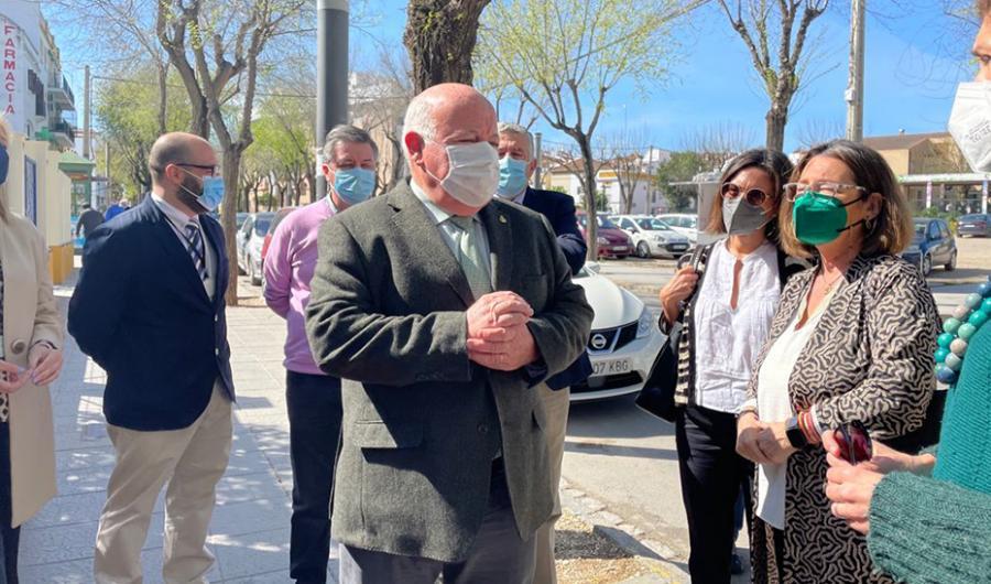 Andalucía Andalucía Andalucía pide al Gobierno un trato igualitario y que le envíe el porcentaje de vacunas que le corresponde