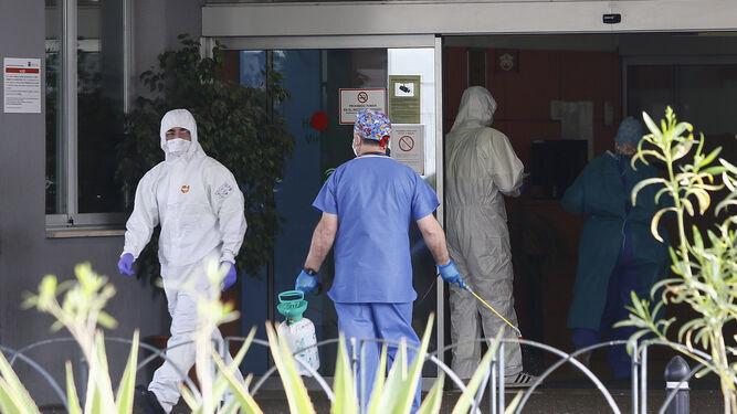 Málaga Málaga Nueva jornada de descenso de contagios y de hospitalizados en Málaga, con un fallecido