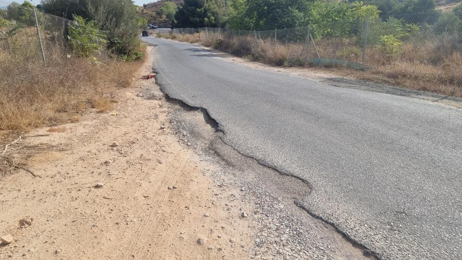 Torremolinos Torremolinos El PP vuelve a solicitar que se adecente el camino de Los Brocales por el peligro que supone el lamentable estado del asfaltado y la falta de visibilidad y alumbrado público