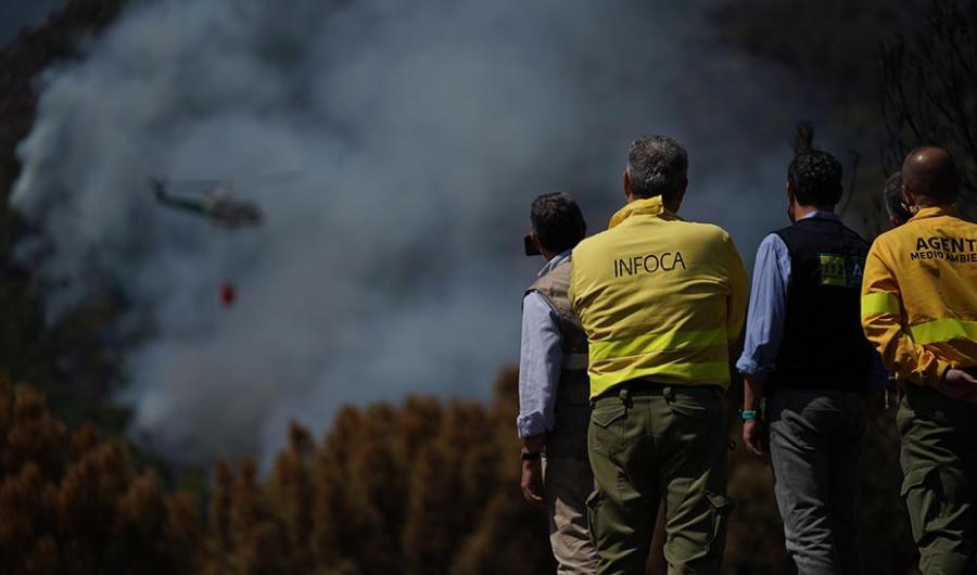 Andalucía Andalucía Moreno advierte que no pararán hasta detener a los autores de los incendios forestales y que éstos no podrán dormir tranquilos