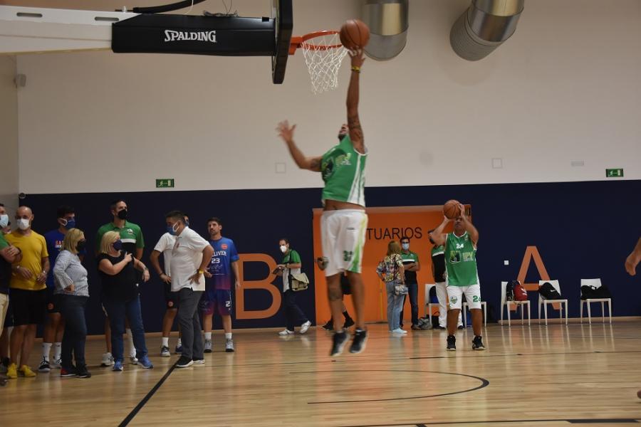 Ayuntamientos Ayuntamientos Los clubes locales de baloncesto y sus equipos de cantera ya se ejercitan en el Centro de Entrenamiento de Carvajal de Fuengirola