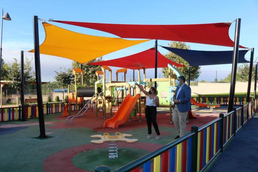 Ayuntamientos Ayuntamientos El Parque del Hipódromo de Mijas estrena toldos para el uso y disfrute de los más pequeños