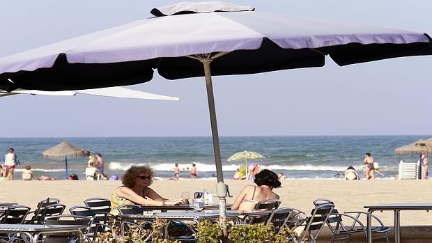 Restaurantes Restaurantes Los restaurantes del Paseo Marítimo de la Malvarrosa logran la concesión de actividad hasta 2040